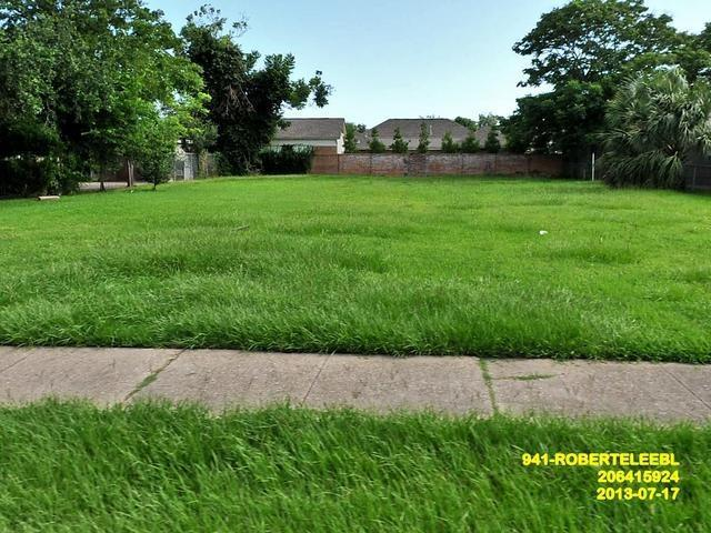 941 Robert E Lee Boulevard, New Orleans, LA 70124 (MLS #2206155) :: Watermark Realty LLC