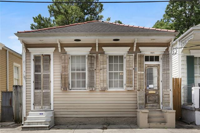 3021 Annunciation Street, New Orleans, LA 70115 (MLS #2206812) :: Inhab Real Estate