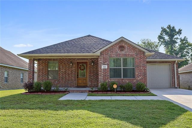 112 Magnolia Manor Boulevard, Boutte, LA 70039 (MLS #2207028) :: Top Agent Realty