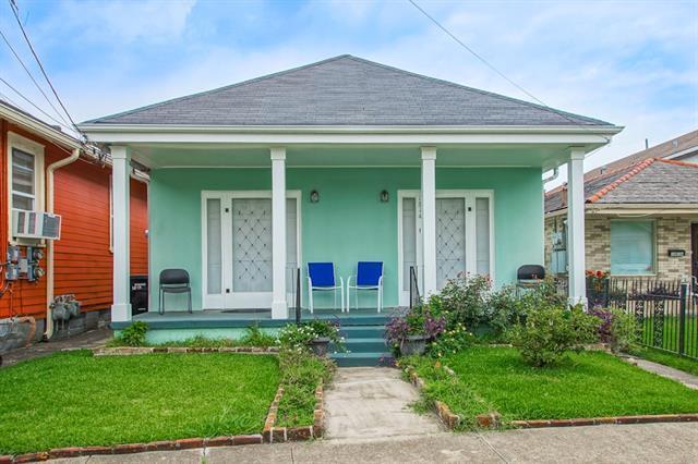 1812 Lowerline Street, New Orleans, LA 70118 (MLS #2207149) :: Inhab Real Estate