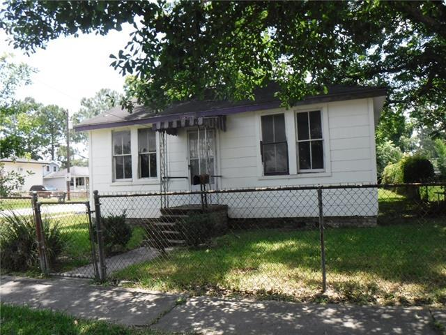 1119 Claiborne Drive, Jefferson, LA 70121 (MLS #2207194) :: Parkway Realty