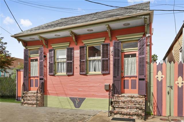 3143 Dauphine Street, New Orleans, LA 70117 (MLS #2208297) :: Inhab Real Estate