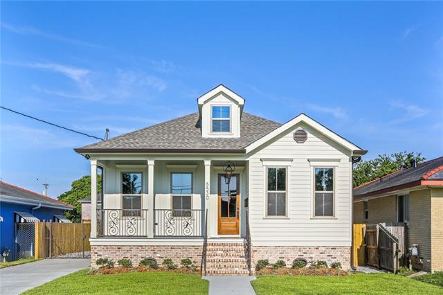5530 Cameron Boulevard, New Orleans, LA 70122 (MLS #2209179) :: Crescent City Living LLC