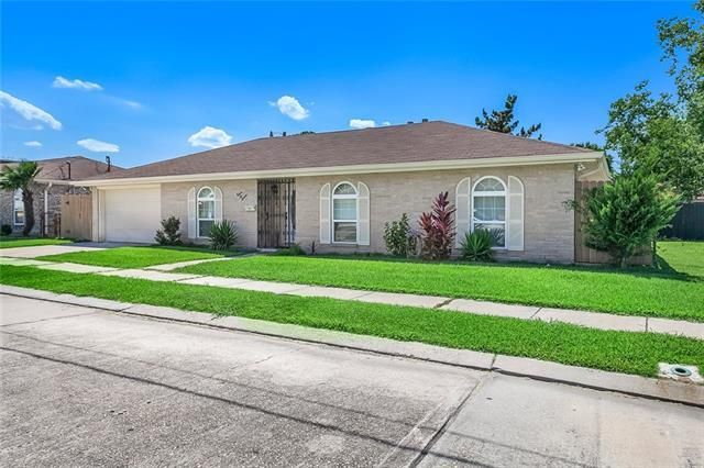 2616 Decomine Drive, Chalmette, LA 70043 (MLS #2209565) :: Top Agent Realty