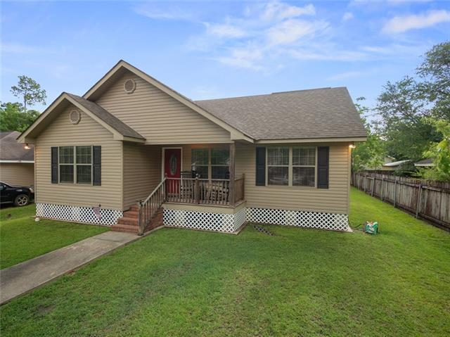 70338 4TH Street, Covington, LA 70433 (MLS #2210266) :: Crescent City Living LLC