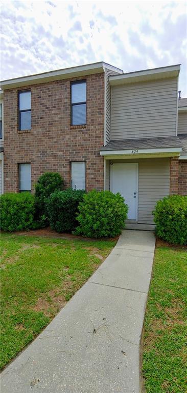 304 E Pineridge Street #304, Mandeville, LA 70448 (MLS #2210954) :: Inhab Real Estate
