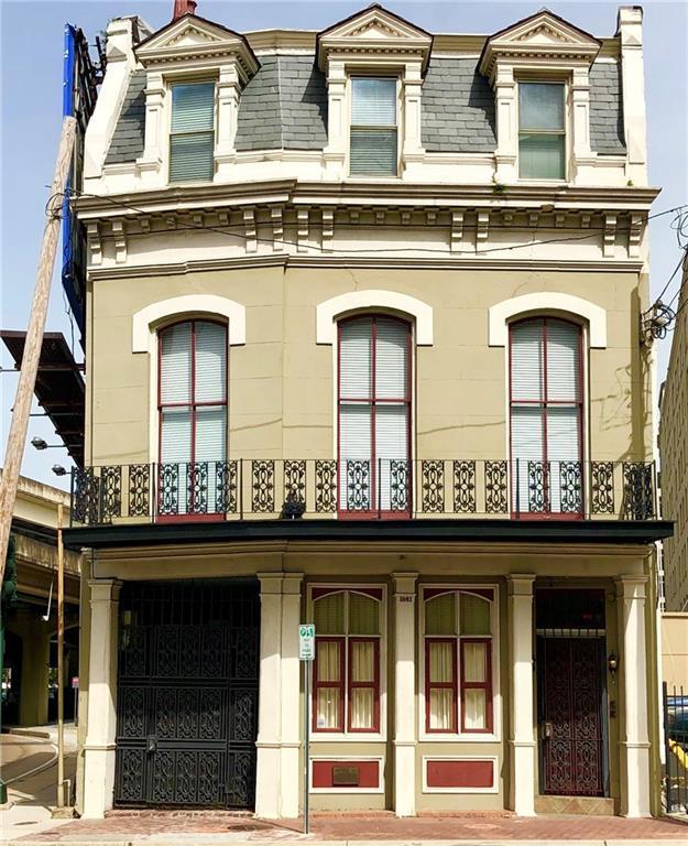 1061 Camp Street E, New Orleans, LA 70130 (MLS #2211352) :: Inhab Real Estate