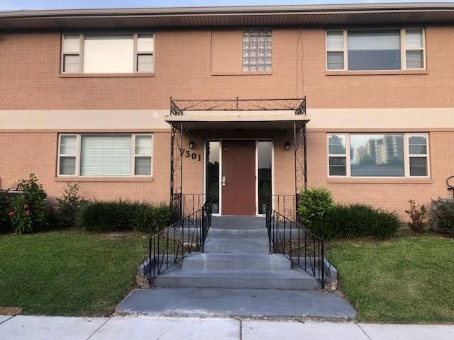 7301 West End Boulevard C, New Orleans, LA 70124 (MLS #2211622) :: The Sibley Group