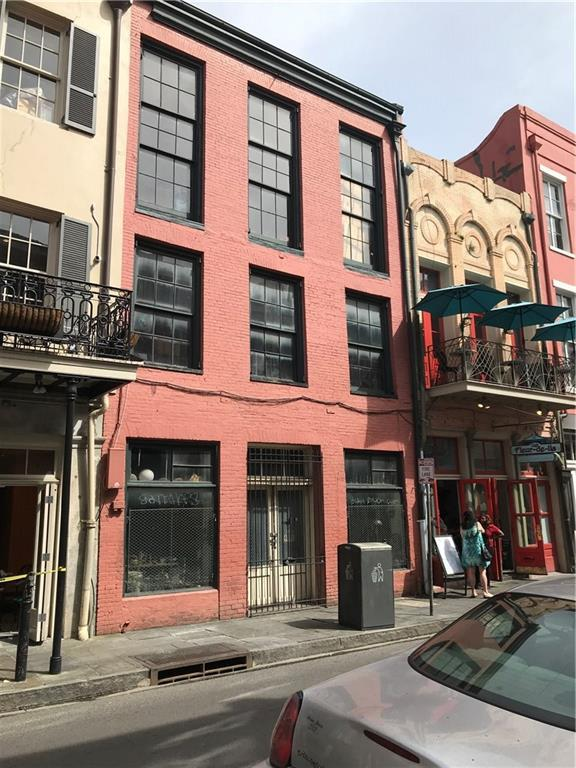 305 Chartres Street - Photo 1