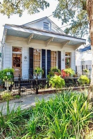 808 Washington Avenue, New Orleans, LA 70130 (MLS #2213684) :: The Sibley Group