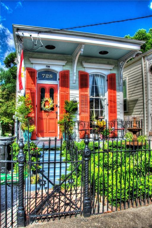728 Fourth Street, New Orleans, LA 70130 (MLS #2213858) :: Crescent City Living LLC