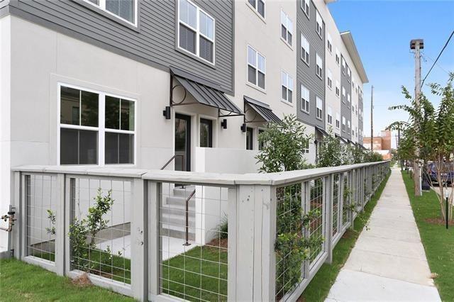 2100 St Thomas Street #301, New Orleans, LA 70130 (MLS #2213966) :: Crescent City Living LLC