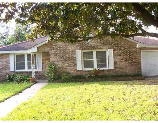6747 Riverside Drive, Harahan, LA 70123 (MLS #2214183) :: Crescent City Living LLC