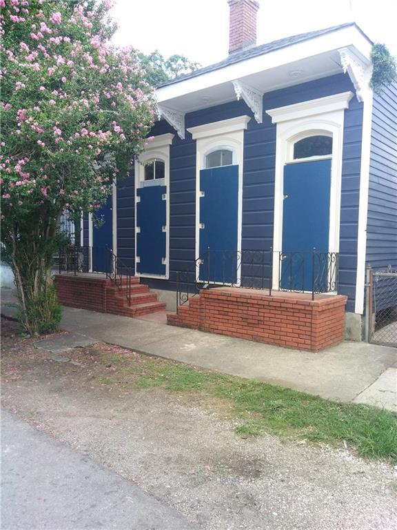 1460 N Robertson Street, New Orleans, LA 70116 (MLS #2215802) :: Crescent City Living LLC