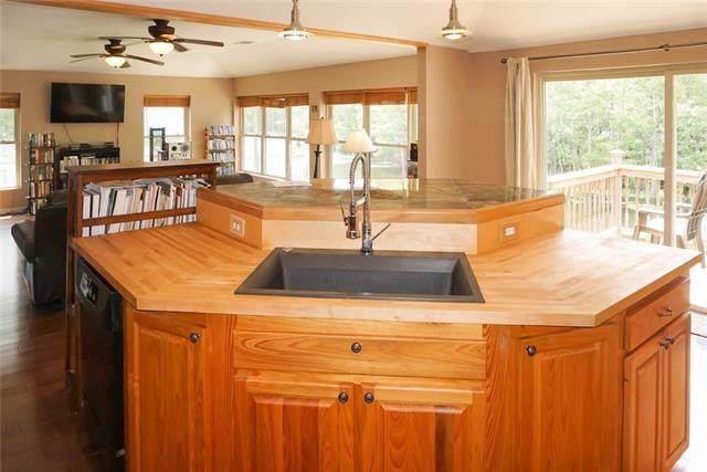 31643 Shelton Drive, Springfield, LA 70462 (MLS #2223466) :: Turner Real Estate Group