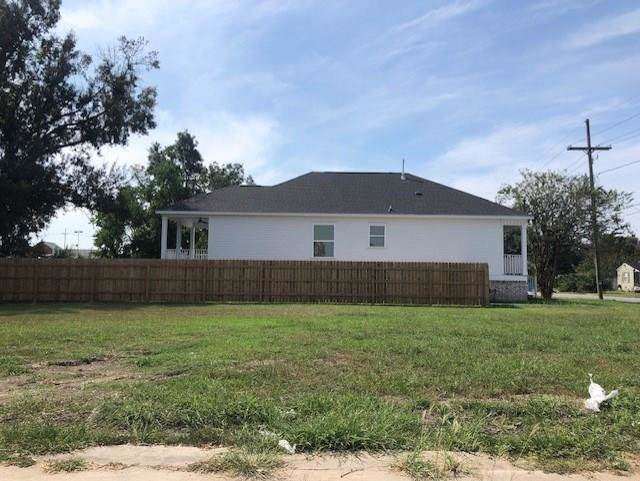 1417 Center Street, Arabi, LA 70032 (MLS #2225729) :: Robin Realty