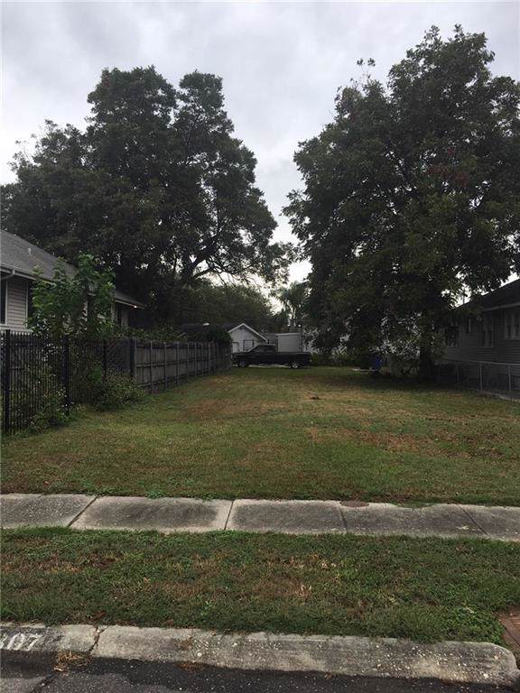 307 Florida Boulevard, New Orleans, LA 70124 (MLS #2227639) :: The Sibley Group
