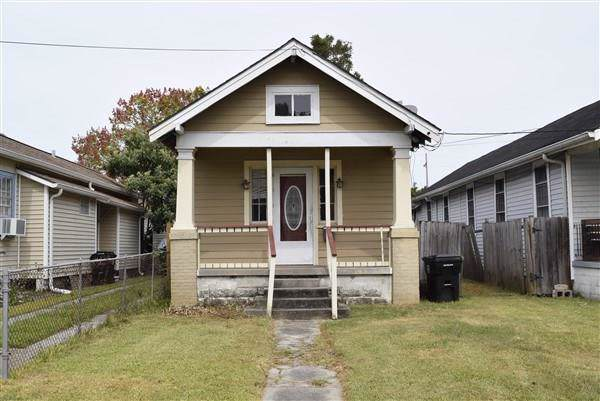 2413 Verbena Street, New Orleans, LA 70122 (MLS #2227884) :: Inhab Real Estate