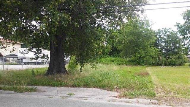 4809 E Judge Perez Drive, Violet, LA 70092 (MLS #2233726) :: Robin Realty