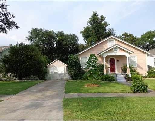 517 Evergreen Drive, Gretna, LA 70053 (MLS #2242715) :: Crescent City Living LLC