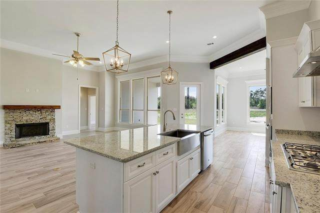1033 Spring Haven Street, Madisonville, LA 70447 (MLS #2248916) :: Crescent City Living LLC