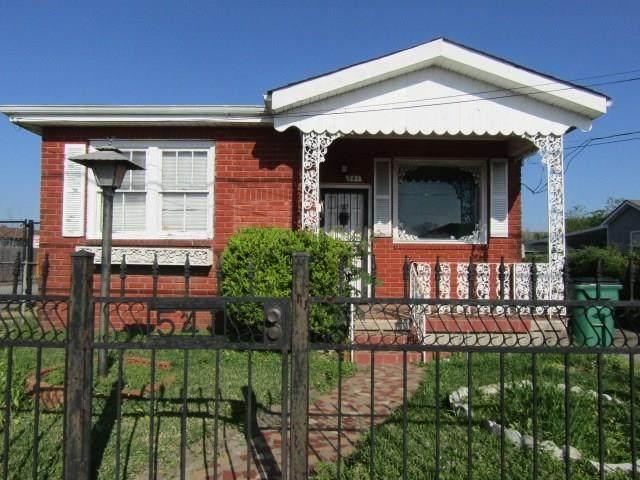541 Ames Boulevard, Marrero, LA 70072 (MLS #2250279) :: Crescent City Living LLC
