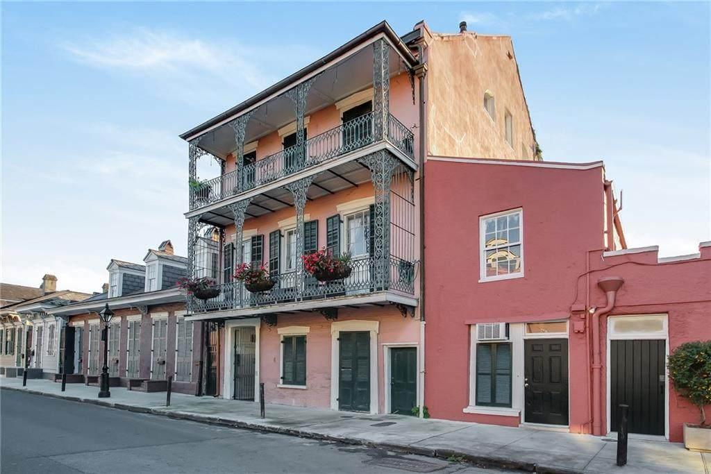 1030 Orleans Street - Photo 1