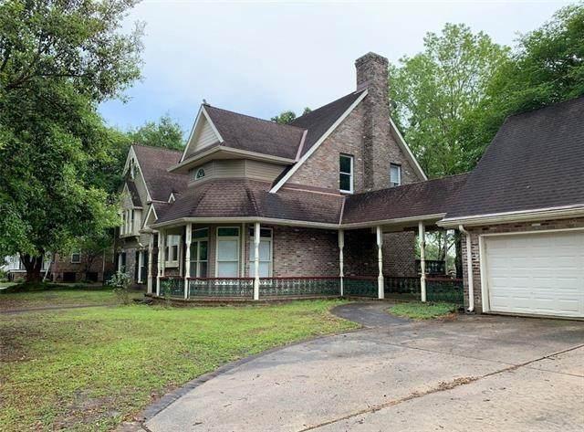 215 Oak Drive - Photo 1