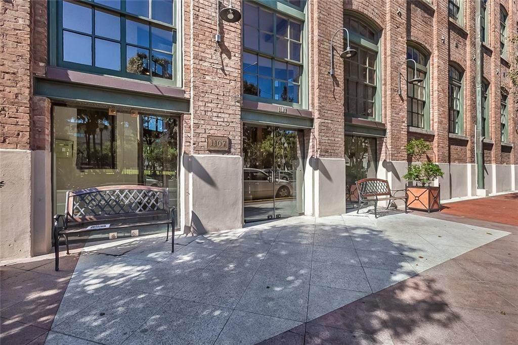 1107 Peters Street - Photo 1