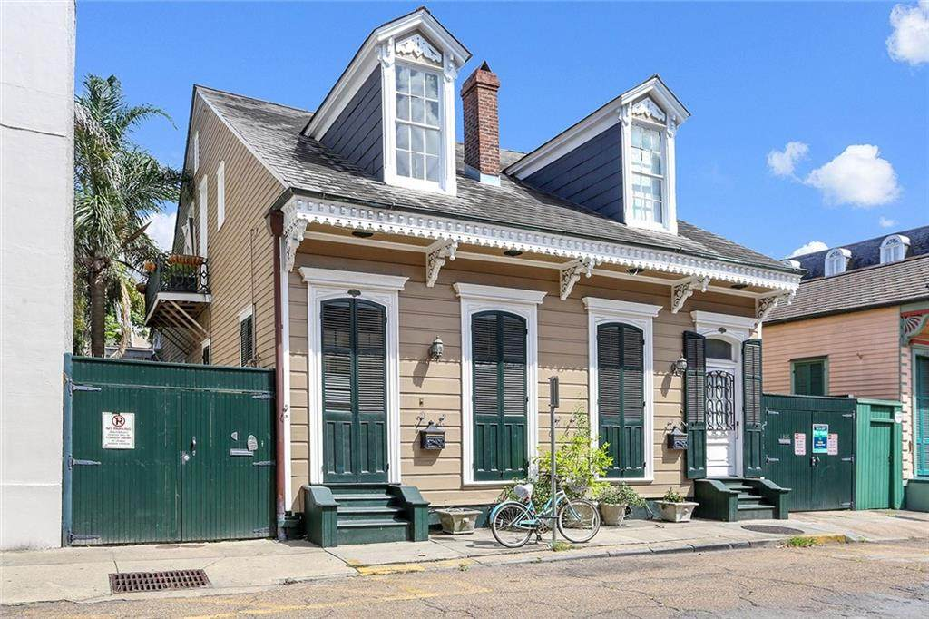 1312 Chartres Street - Photo 1