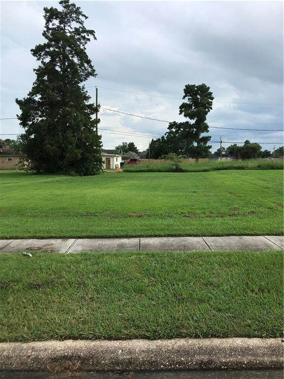 312 Llama Drive, Arabi, LA 70032 (MLS #2265567) :: Watermark Realty LLC