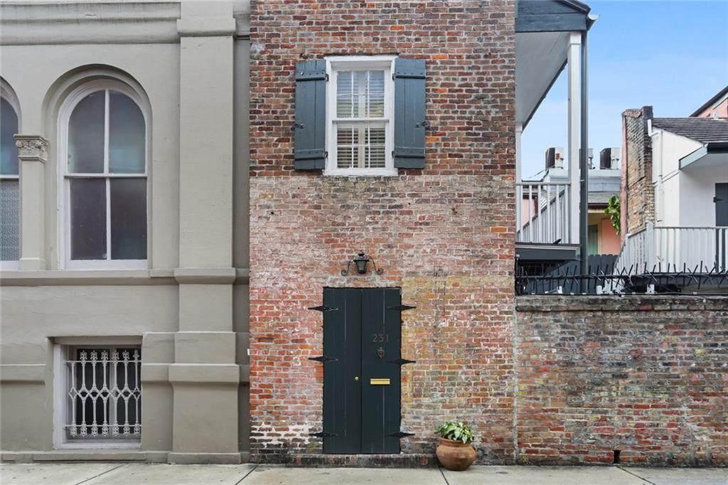231 Burgundy Street - Photo 1