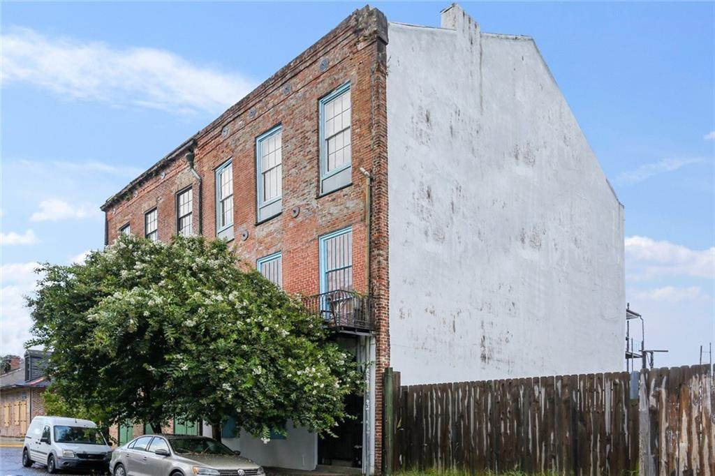 2707 Chartres Street - Photo 1