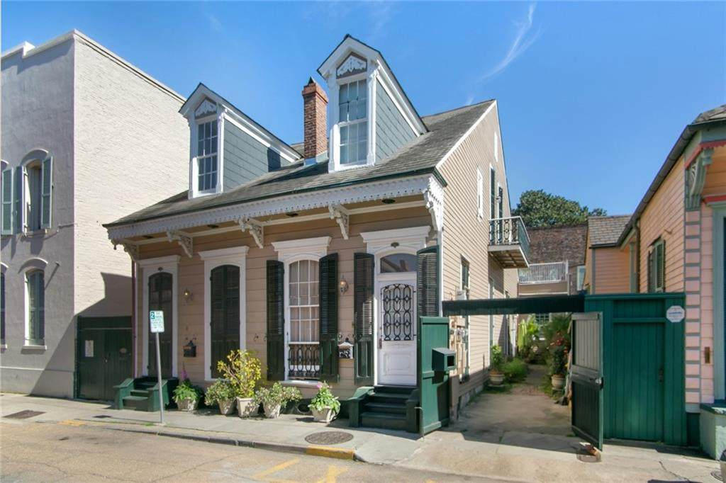 1306 Chartres Street - Photo 1