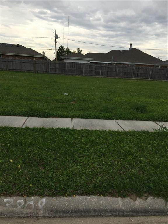 3808 Ventura Drive, Chalmette, LA 70043 (MLS #2269369) :: The Sibley Group