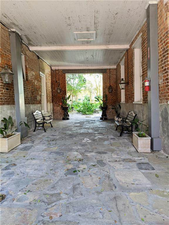 921 Chartres Street - Photo 1