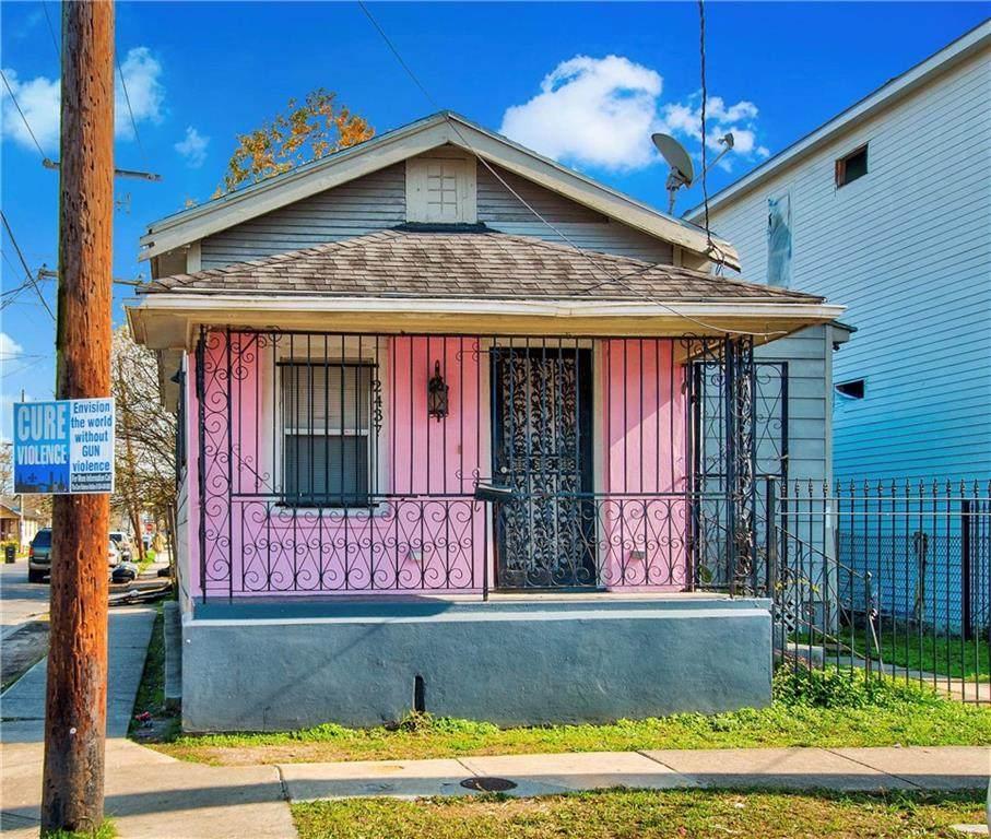 2437 Allen Street - Photo 1
