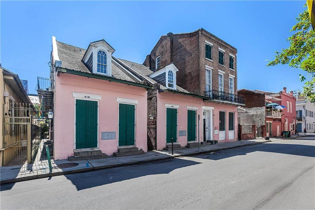 418 Burgundy Street - Photo 1