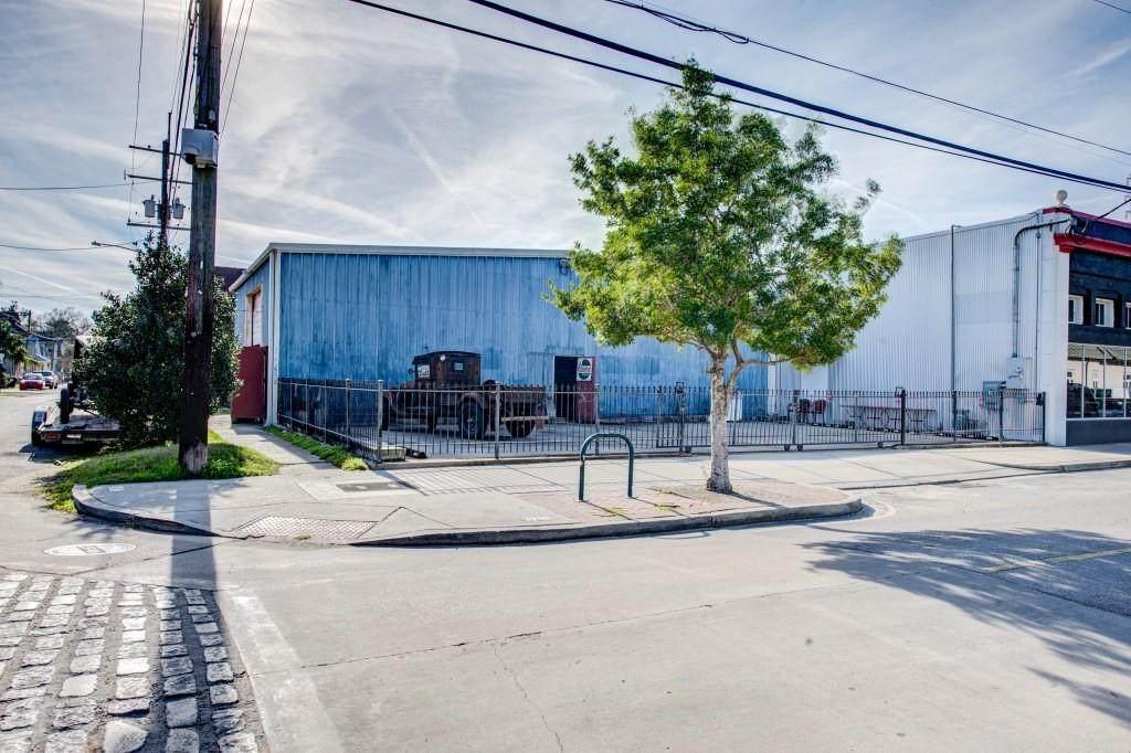 8304 Oak Street - Photo 1