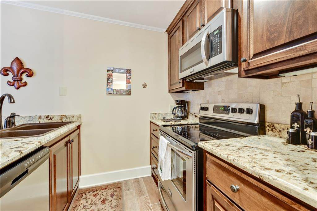 922 Chartres Street - Photo 10