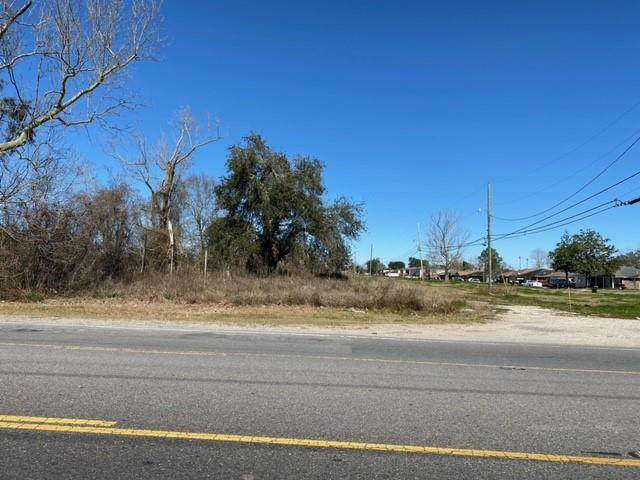 991 E Saint Bernard Highway, Chalmette, LA 70043 (MLS #2288731) :: The Sibley Group