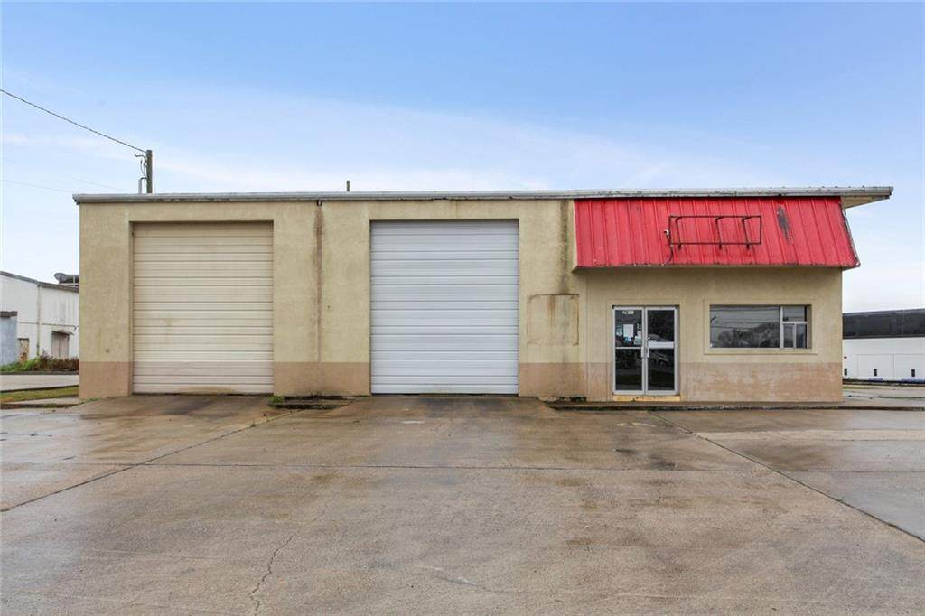 2033 Airline Highway - Photo 1