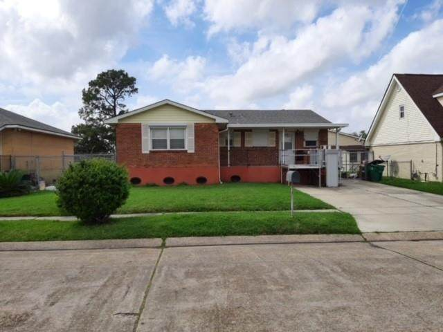 2052 Armstrong Drive - Photo 1