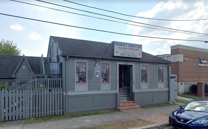 4304 Claiborne Avenue - Photo 1