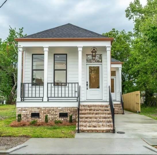 937 11TH Street, Gretna, LA 70053 (MLS #2295356) :: Crescent City Living LLC