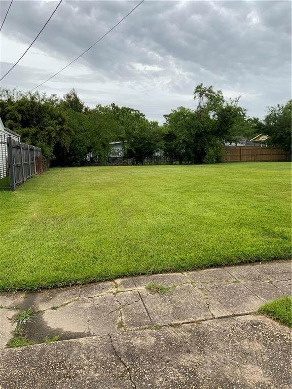 4623 Metropolitan Drive, New Orleans, LA 70126 (MLS #2300895) :: The Puckett Team