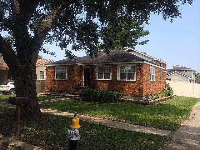 1569 Athis Street, New Orleans, LA 70122 (MLS #2301121) :: Keaty Real Estate