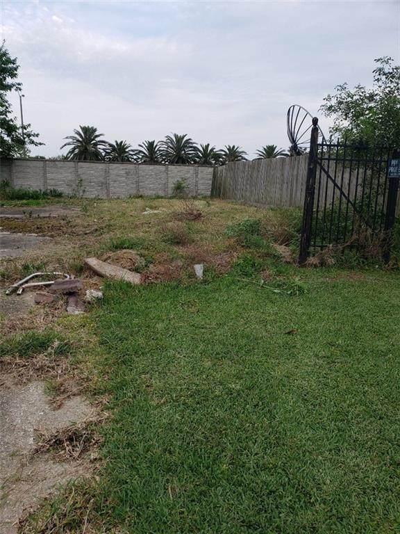 14170 Kingswood Drive, New Orleans, LA 70128 (MLS #2303284) :: Satsuma Realtors