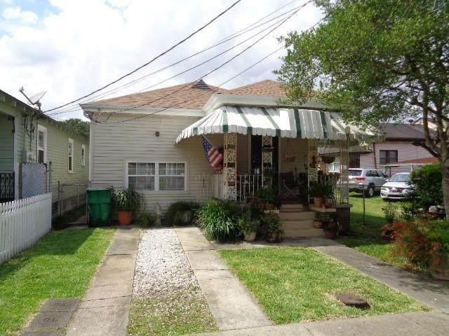 517 6TH Street, Gretna, LA 70053 (MLS #2303990) :: Crescent City Living LLC