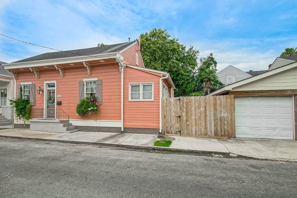3320 Laurel Street - Photo 1